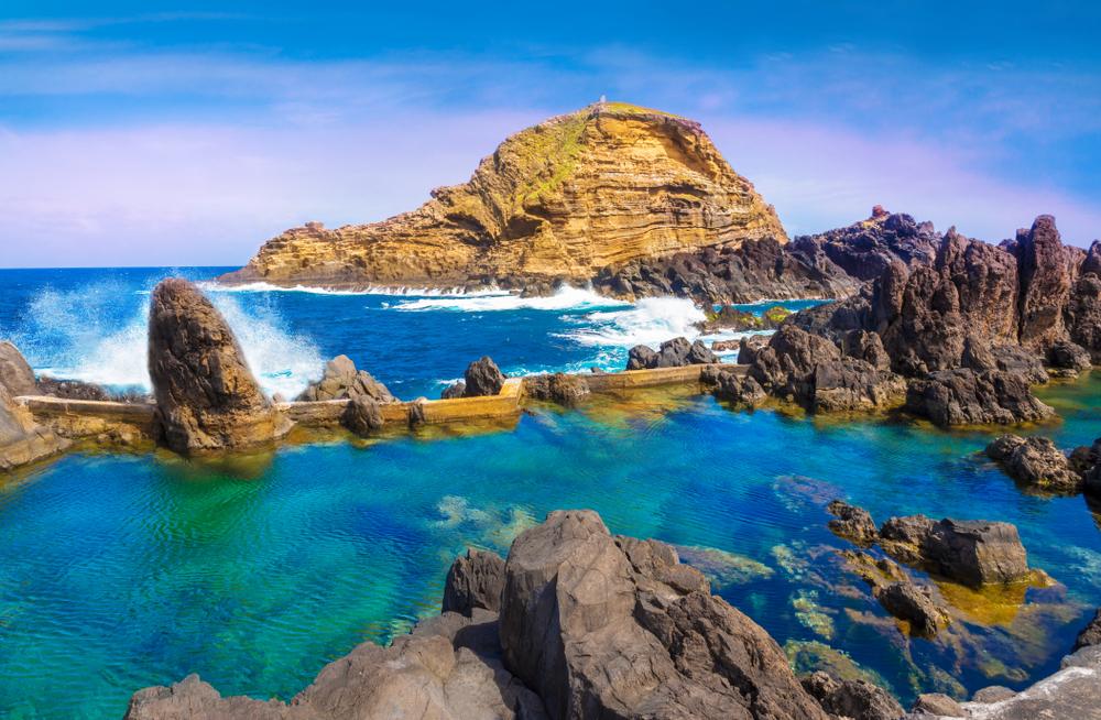 Piscinas vulcânicas naturais de Porto Moniz