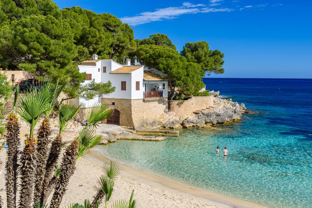 Motivos para escolher a praia em vez da montanha para umas férias inesquecíveis