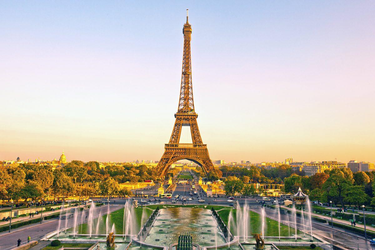 Disneyland Paris e a Torre Eiffel abrem as suas portas